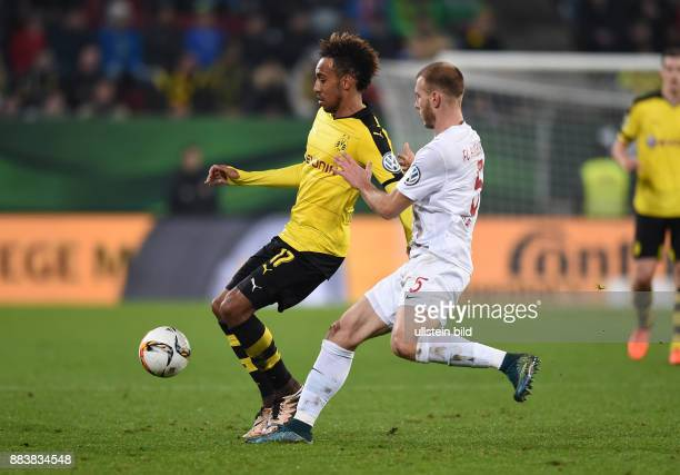 FUSSBALL DFB FC Augsburg Borussia Dortmund PierreEmerick Aubameyang gegen Ragnar Klavan