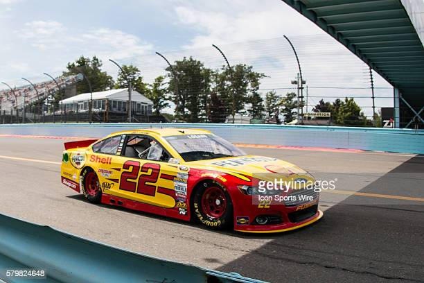 Running pit stop stock photos and pictures getty images for Ford motor company driver education series