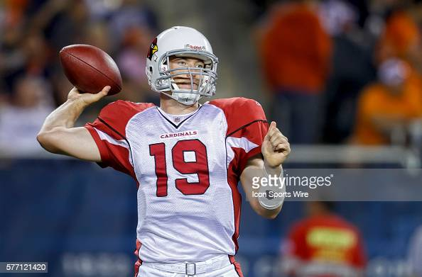 Arizona Cardinals quarterback John Skelton gets ready to throw the ball in game action The Arizona Cardinals defeated the Chicago Bears by the score...