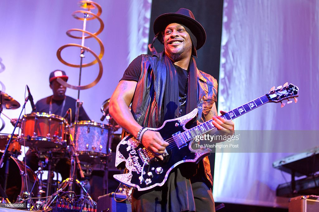 WASHINGTON DC August 26th 2012 Fabled RampB recluse D'Angelo performs at the Verizon Center in Washington DC After kicking off the neosoul movement...