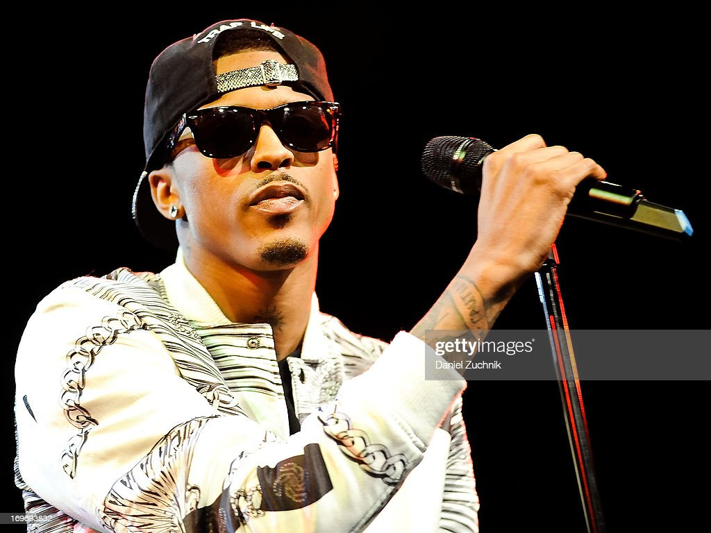 August Alsina performs during the Kelly Rowland and The Dream 'Lights Out' tour at the Best Buy Theater on May 30, 2013 in New York City.