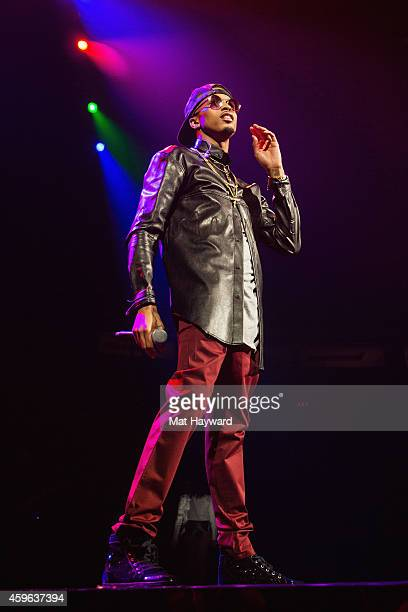 August Alsina performs on stage at KeyArena on November 26 2014 in Seattle Washington
