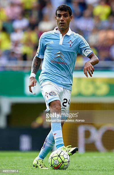 Augusto Matias Fernandez of Celta in action during the La Liga match between Villarreal CF and RC Celta de Vigo at El Madrigal Stadium on October 18...