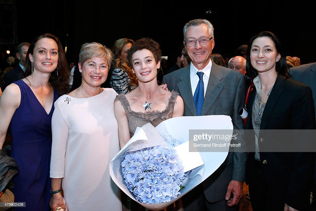<a gi-track='captionPersonalityLinkClicked' href=/galleries/search?phrase=Aurelie+Dupont&family=editorial&specificpeople=2903830 ng-click='$event.stopPropagation()'>Aurelie Dupont</a> with her Family ; Her father Professor Bertrand Dupont, her mother Jacqueline and her sisters Marie Charlotte and Benjamine attend Star Dancer <a gi-track='captionPersonalityLinkClicked' href=/galleries/search?phrase=Aurelie+Dupont&family=editorial&specificpeople=2903830 ng-click='$event.stopPropagation()'>Aurelie Dupont</a> says goodbye to the Paris Opera performing in 'L'histoire de Manon' at Opera Garnier on May 18, 2015 in Paris, France.