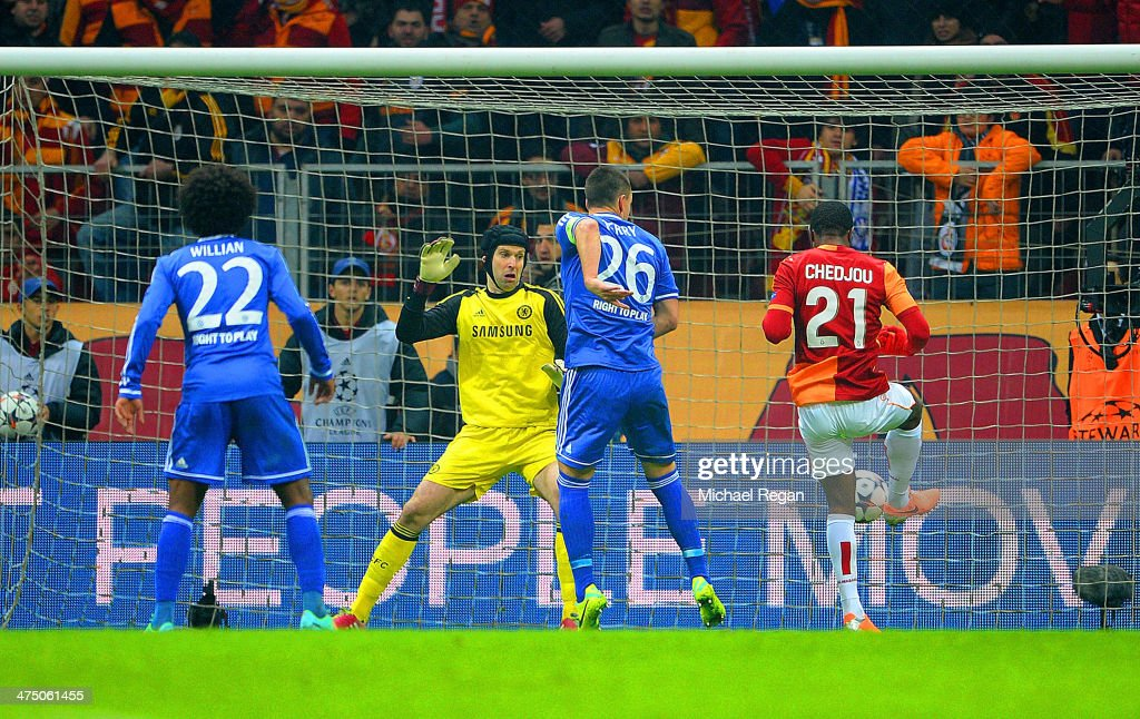 Aurelien Chedjou of Galatasaray scores their first goal past <a gi-track='captionPersonalityLinkClicked' href=/galleries/search?phrase=Petr+Cech&family=editorial&specificpeople=212890 ng-click='$event.stopPropagation()'>Petr Cech</a> of Chelsea during the UEFA Champions League Round of 16 first leg match between Galatasaray AS and Chelsea at Ali Sami Yen Arena on February 26, 2014 in Istanbul, Turkey.