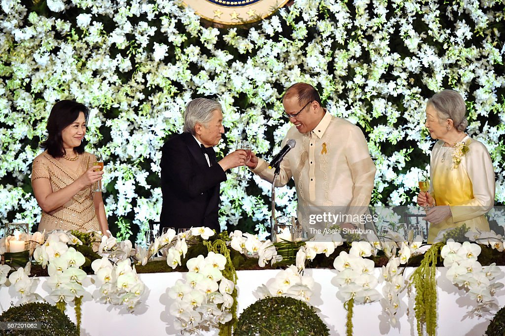 Aurora Corazon Aquino-Abellada, <a gi-track='captionPersonalityLinkClicked' href=/galleries/search?phrase=Emperor+Akihito&family=editorial&specificpeople=14011468 ng-click='$event.stopPropagation()'>Emperor Akihito</a>, Philippines President Bengno Aquino and <a gi-track='captionPersonalityLinkClicked' href=/galleries/search?phrase=Empress+Michiko&family=editorial&specificpeople=158725 ng-click='$event.stopPropagation()'>Empress Michiko</a> toast glasses during the state dinner at the Malacanang Palace on January 27, 2016 in Manila, Philippines. The 5-day visit, their first since 1962 when they were crown prince and princess, is the latest in a series of trips to mourn wartime victims across the Asia-Pacific region.