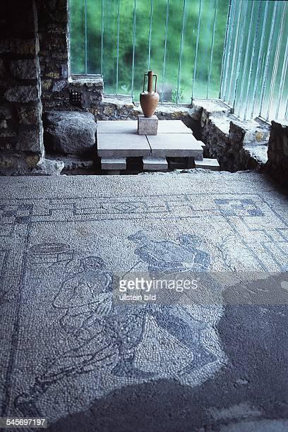 Bodenfreskound antike Vase 1996
