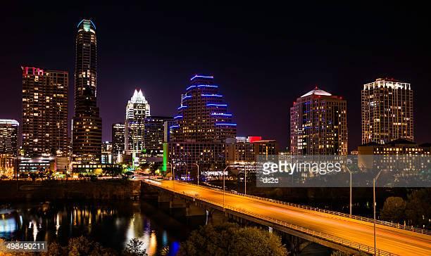 Austin Vista da Cidade à noite com arranha-céus horizonte no Congresso Avenue