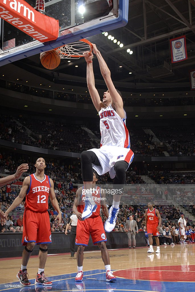 <a gi-track='captionPersonalityLinkClicked' href=/galleries/search?phrase=Austin+Daye&family=editorial&specificpeople=4682416 ng-click='$event.stopPropagation()'>Austin Daye</a> #5 of the Detroit Pistons dunks against the Philadelphia 76ers in a game on January 8, 2011 at The Palace of Auburn Hills in Auburn Hills, Michigan.