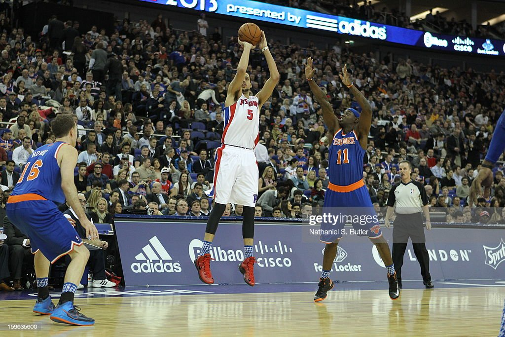 Austin Daye #5 of the Detroit Pistons shoots against Ronnie Brewer #11 of the New York Knicks during a game between the New York Knicks and the Detroit Pistons at the 02 Arena on January 17, 2013 in London, England.