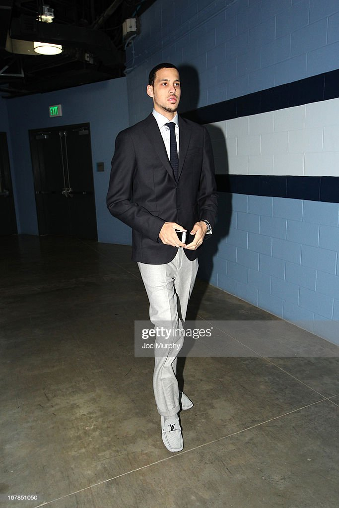 <a gi-track='captionPersonalityLinkClicked' href=/galleries/search?phrase=Austin+Daye&family=editorial&specificpeople=4682416 ng-click='$event.stopPropagation()'>Austin Daye</a> #5 of the Memphis Grizzlies walks in before the game against the Los Angeles Clippers in Game Four of the Western Conference Quarterfinals during the 2013 NBA Playoffs on April 25, 2013 at FedExForum in Memphis, Tennessee.