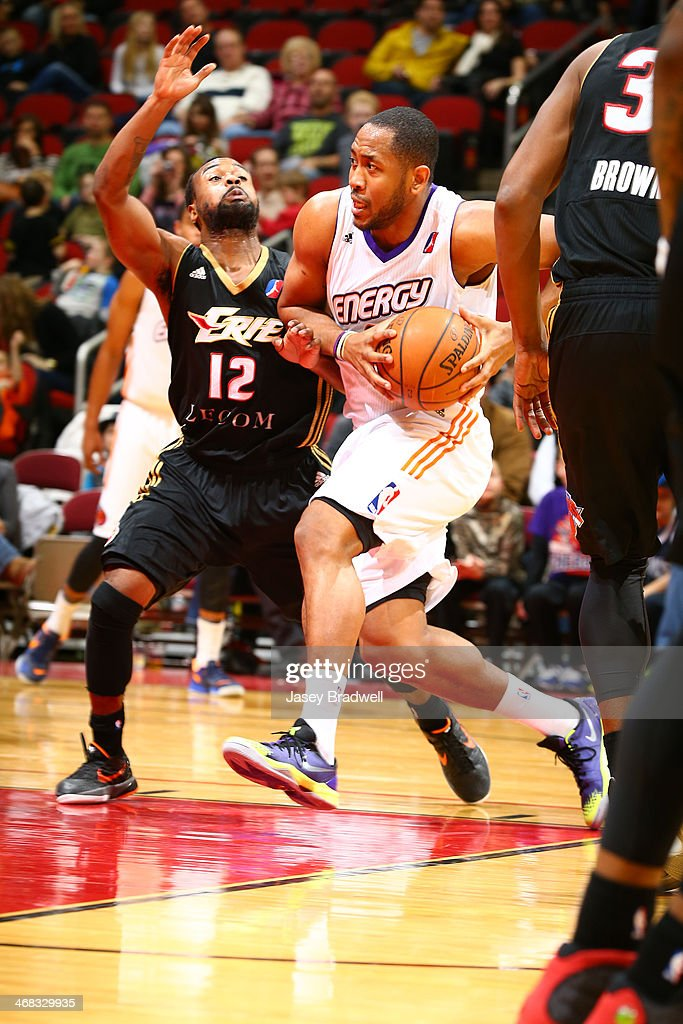 Austin Freeman of the Iowa Energy drives to the basket against Lewis Jackson of The Erie BayHawks in an NBA DLeague game on February 8 2014 at the...