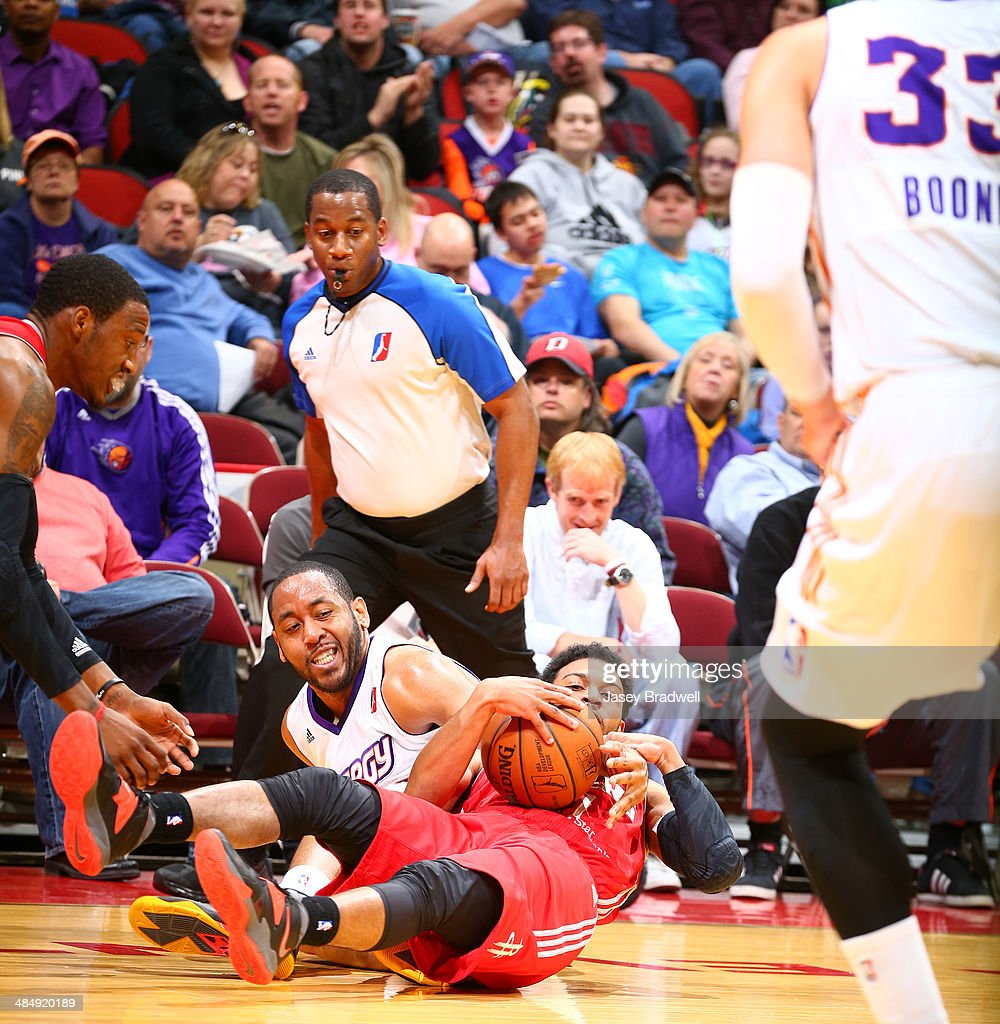 Austin Freeman of the Iowa Energy fights the Rio Grande Valley Vipers for a loose ball in an NBA DLeague game on April 14 2014 at the Wells Fargo...