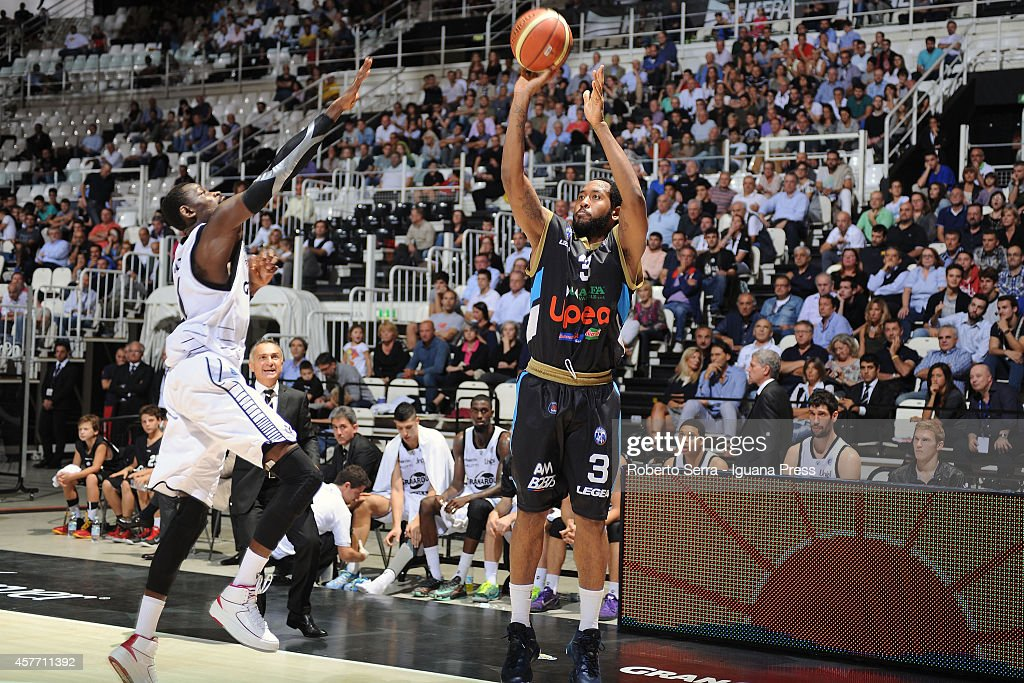 Austin Freeman of Upea competes with Jeremy Hazell of Granarolo during the match between Granarolo Bologna and Upea Capo d'Orlandoe at Unipol Arena...