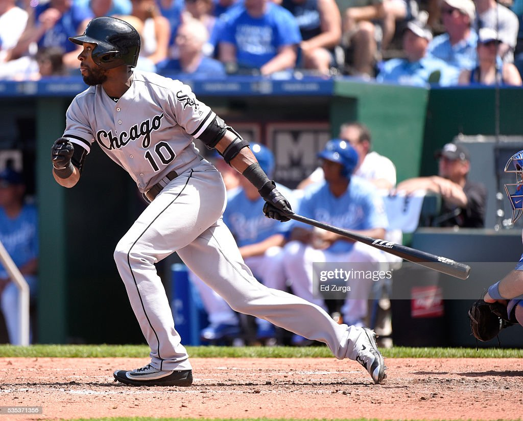 <a gi-track='captionPersonalityLinkClicked' href=/galleries/search?phrase=Austin+Jackson&family=editorial&specificpeople=608633 ng-click='$event.stopPropagation()'>Austin Jackson</a> #10 of the Chicago White Sox hits an RBI single in the fifth inning against the Kansas City Royals at Kauffman Stadium on May 29, 2016 in Kansas City, Missouri.