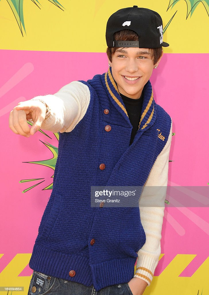 Austin Mahone arrives at the Nickelodeon's 26th Annual Kids' Choice Awards at USC Galen Center on March 23, 2013 in Los Angeles, California.