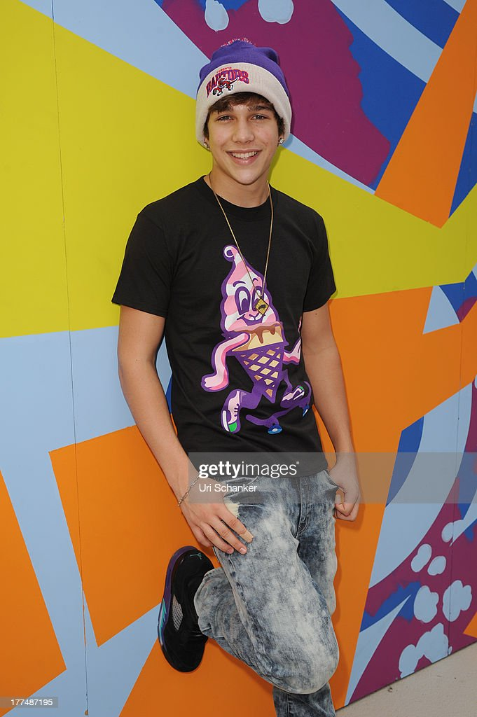 Austin Mahone attends the 2013 Arthur Ashe Kids Day Rehearsals at USTA Billie Jean King National Tennis Center on August 23, 2013 in the Queens borough of New York City.