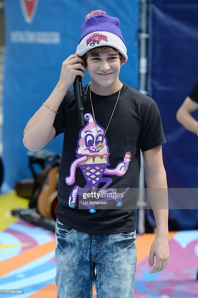 <a gi-track='captionPersonalityLinkClicked' href=/galleries/search?phrase=Austin+Mahone&family=editorial&specificpeople=9429678 ng-click='$event.stopPropagation()'>Austin Mahone</a> attends the 2013 Arthur Ashe Kids Day Rehearsals at USTA Billie Jean King National Tennis Center on August 23, 2013 in the Queens borough of New York City.