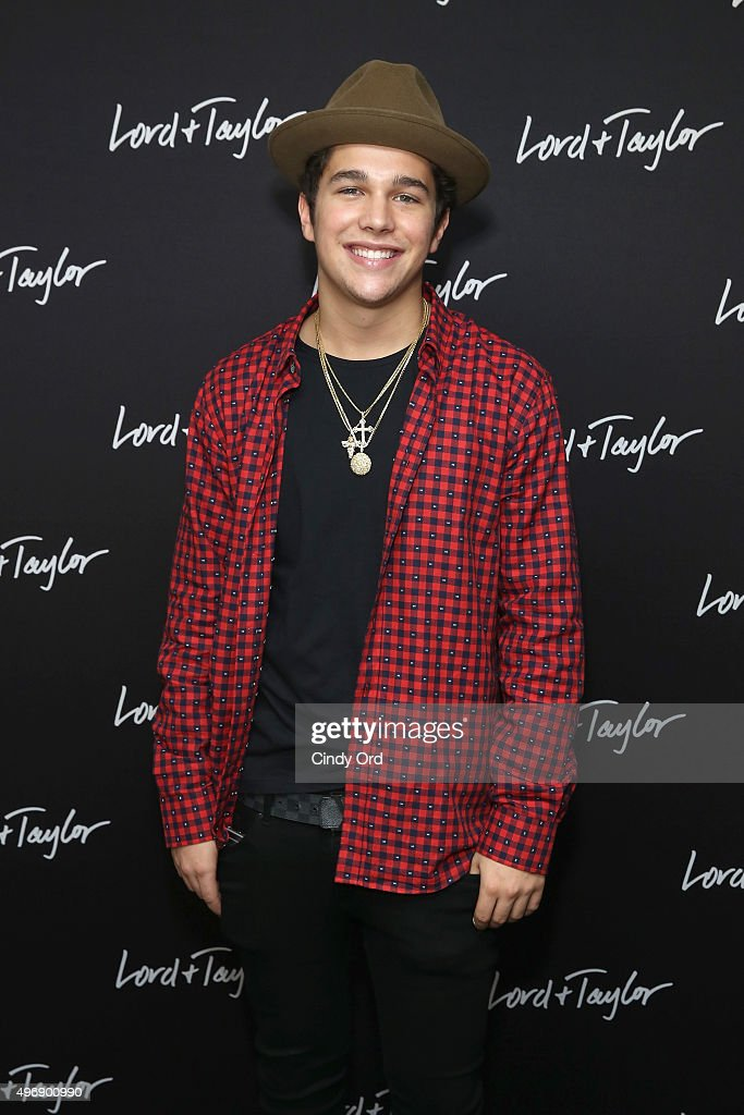 Austin Mahone attends the Lord Taylor NYC 2015 Holiday Windows Unveiling With Austin Mahone on November 12 2015 in New York City