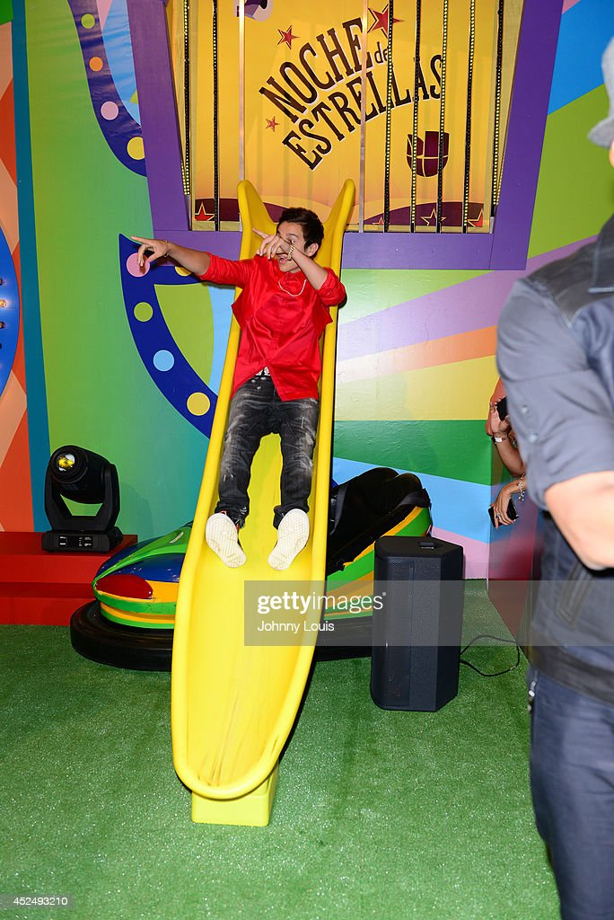 <a gi-track='captionPersonalityLinkClicked' href=/galleries/search?phrase=Austin+Mahone&family=editorial&specificpeople=9429678 ng-click='$event.stopPropagation()'>Austin Mahone</a> attends the Premios Juventud 2014 Awards at Bank United Center on July 17, 2014 in Miami, Florida.