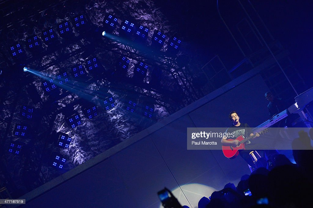 Austin Mahone performs at Orpheum Theater on March 7, 2014 in Boston, Massachusetts.