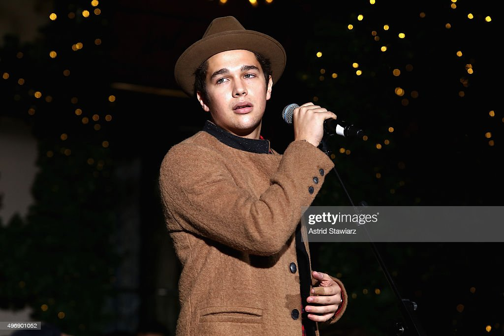 <a gi-track='captionPersonalityLinkClicked' href=/galleries/search?phrase=Austin+Mahone&family=editorial&specificpeople=9429678 ng-click='$event.stopPropagation()'>Austin Mahone</a> performs at the Lord & Taylor NYC 2015 Holiday Windows Unveiling With <a gi-track='captionPersonalityLinkClicked' href=/galleries/search?phrase=Austin+Mahone&family=editorial&specificpeople=9429678 ng-click='$event.stopPropagation()'>Austin Mahone</a> on November 12, 2015 in New York City.