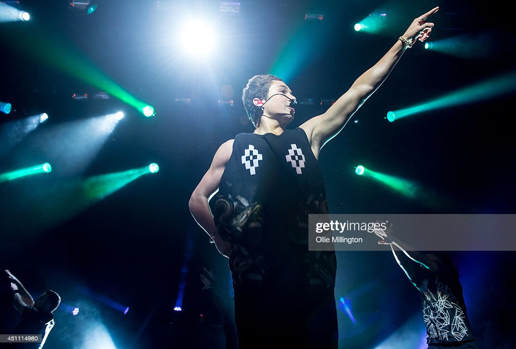 <a gi-track='captionPersonalityLinkClicked' href=/galleries/search?phrase=Austin+Mahone&family=editorial&specificpeople=9429678 ng-click='$event.stopPropagation()'>Austin Mahone</a> performs during his first UK show onstage at Indigo2 at O2 Arena on June 23, 2014 in London, England.