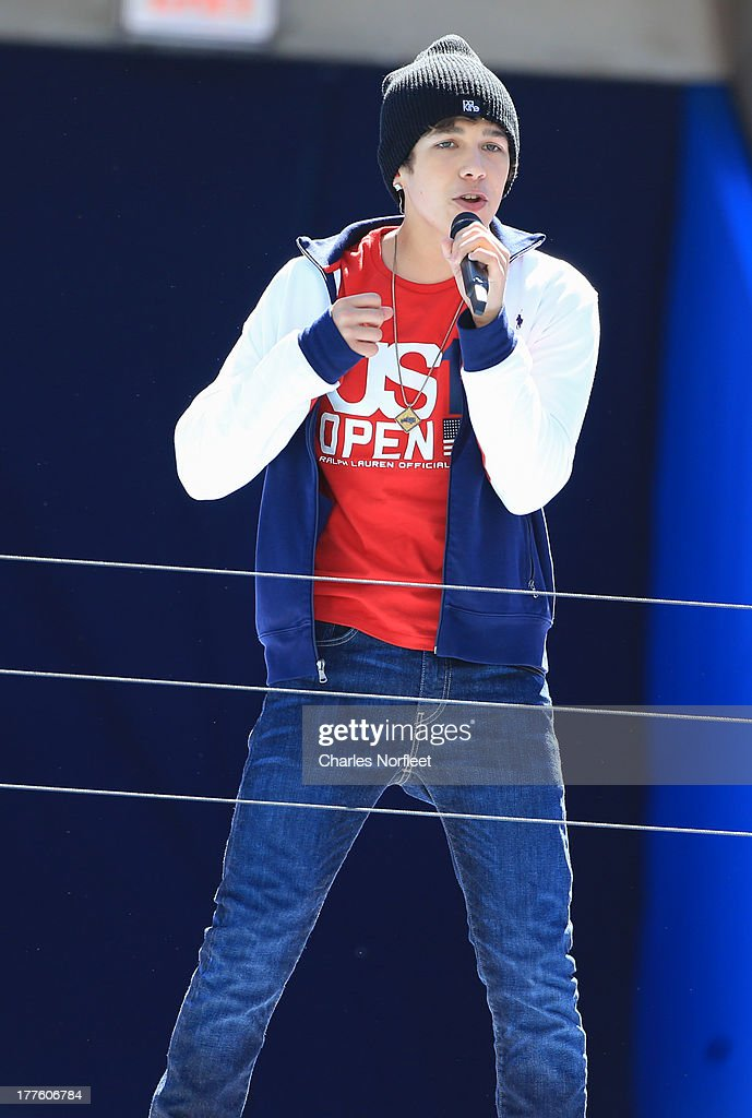<a gi-track='captionPersonalityLinkClicked' href=/galleries/search?phrase=Austin+Mahone&family=editorial&specificpeople=9429678 ng-click='$event.stopPropagation()'>Austin Mahone</a> performs during the 2013 Arthur Ashe Kids Day at USTA Billie Jean King National Tennis Center on August 24, 2013 in the Queens borough of New York City.