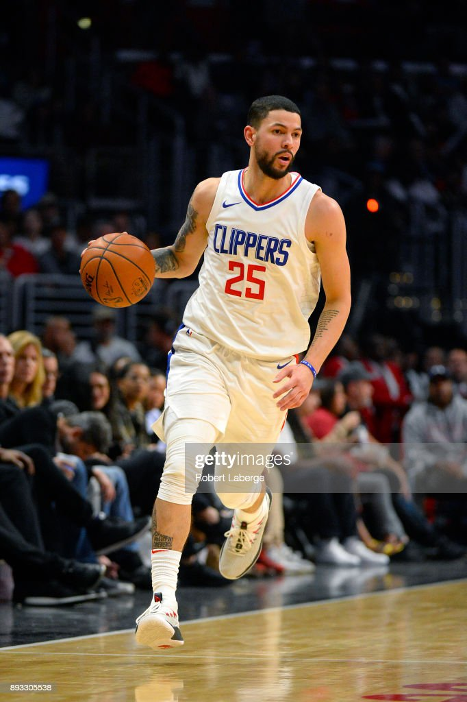 Austin Rivers #25 of the Los Angeles Clippers plays against the Toronto Raptors on December 11, 2017 at STAPLES Center in Los Angeles, California.