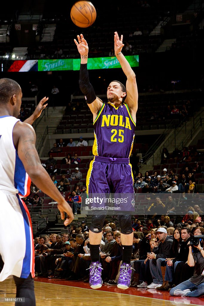 <a gi-track='captionPersonalityLinkClicked' href=/galleries/search?phrase=Austin+Rivers&family=editorial&specificpeople=7117574 ng-click='$event.stopPropagation()'>Austin Rivers</a> #25 of the New Orleans Hornets shoots a three-pointer against the Detroit Pistons on February 11, 2013 at The Palace of Auburn Hills in Auburn Hills, Michigan.