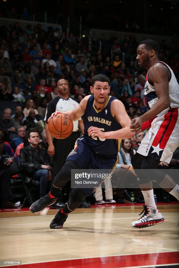 <a gi-track='captionPersonalityLinkClicked' href=/galleries/search?phrase=Austin+Rivers&family=editorial&specificpeople=7117574 ng-click='$event.stopPropagation()'>Austin Rivers</a> #25 of the New Orleans Pelicans drives against the Washington Wizards at the Verizon Center on February 22, 2014 in Washington, DC.