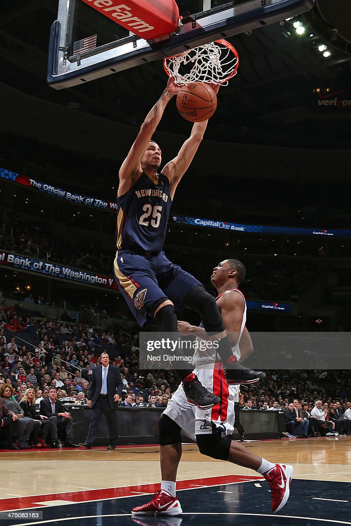 <a gi-track='captionPersonalityLinkClicked' href=/galleries/search?phrase=Austin+Rivers&family=editorial&specificpeople=7117574 ng-click='$event.stopPropagation()'>Austin Rivers</a> #25 of the New Orleans Pelicans dunks against the Washington Wizards at the Verizon Center on February 22, 2014 in Washington, DC.