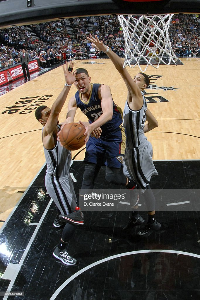 <a gi-track='captionPersonalityLinkClicked' href=/galleries/search?phrase=Austin+Rivers&family=editorial&specificpeople=7117574 ng-click='$event.stopPropagation()'>Austin Rivers</a> #25 of the New Orleans Pelicans goes up for a shot against the San Antonio Spurs at the AT&T Center on March 29, 2014 in San Antonio, Texas.