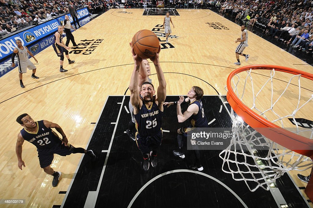 Austin Rivers #25 of the New Orleans Pelicans goes up for a shot against the San Antonio Spurs at the AT&T Center on March 29, 2014 in San Antonio, Texas.