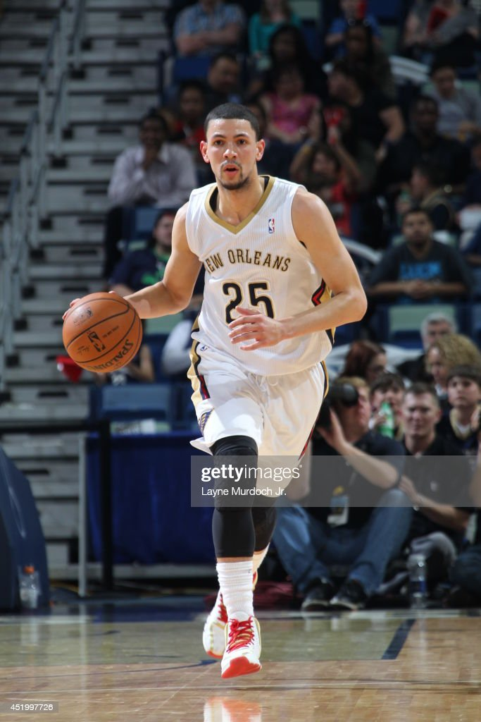 <a gi-track='captionPersonalityLinkClicked' href=/galleries/search?phrase=Austin+Rivers&family=editorial&specificpeople=7117574 ng-click='$event.stopPropagation()'>Austin Rivers</a> #25 of the New Orleans Pelicans handles the ball against the Sacramento Kings during an NBA game on March 31, 2014 at the Smoothie King Center in New Orleans, Louisiana..