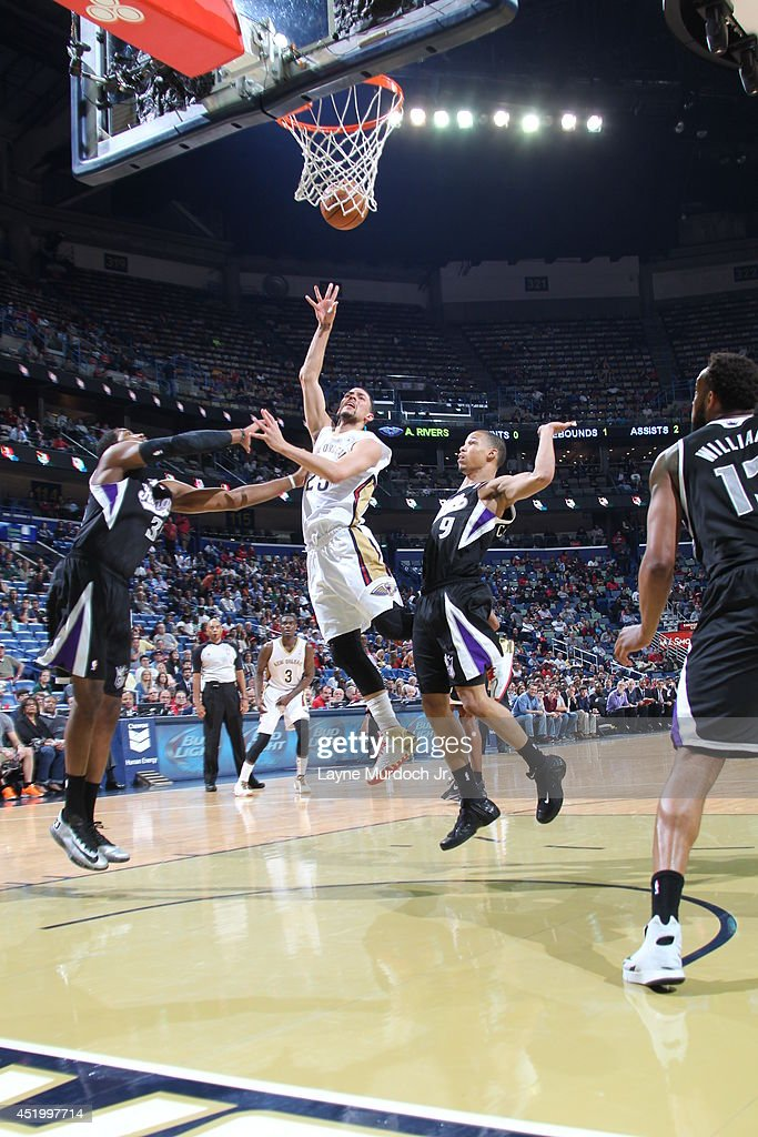 <a gi-track='captionPersonalityLinkClicked' href=/galleries/search?phrase=Austin+Rivers&family=editorial&specificpeople=7117574 ng-click='$event.stopPropagation()'>Austin Rivers</a> #25 of the New Orleans Pelicans takes a shot against the Sacramento Kings during an NBA game on March 31, 2014 at the Smoothie King Center in New Orleans, Louisiana..