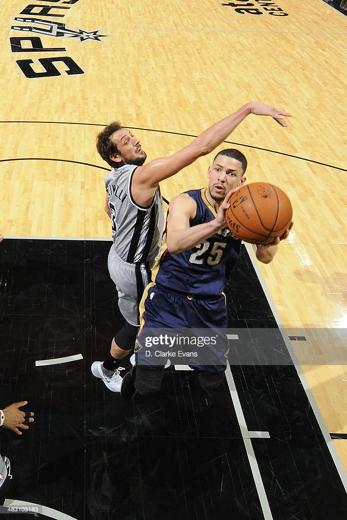 Austin Rivers #25 of the New Orleans Pelicans takes a shot against the San Antonio Spurs at the AT&T Center on March 29, 2014 in San Antonio, Texas.