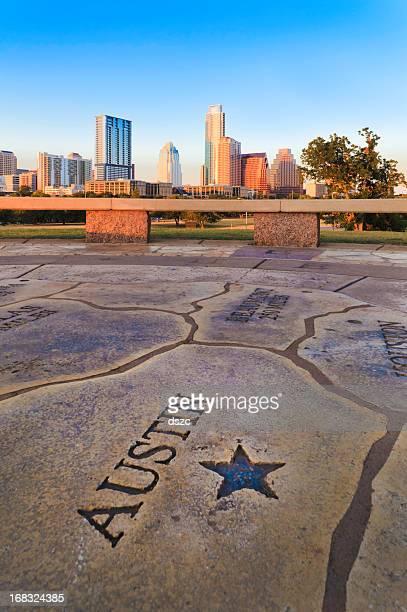 Austin Texas skyline com Mapa em primeiro plano.