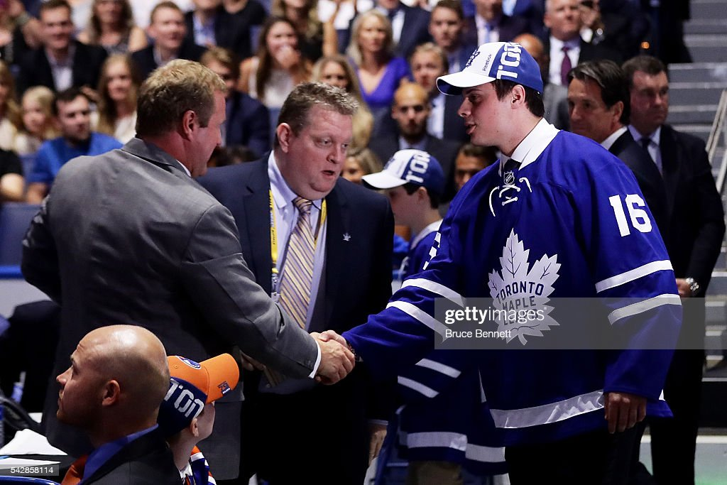 <a gi-track='captionPersonalityLinkClicked' href=/galleries/search?phrase=Auston+Matthews&family=editorial&specificpeople=13452736 ng-click='$event.stopPropagation()'>Auston Matthews</a> celebrates after being picked first overall by the Toronto Maple Leafs during round one of the 2016 NHL Draft on June 24, 2016 in Buffalo, New York.