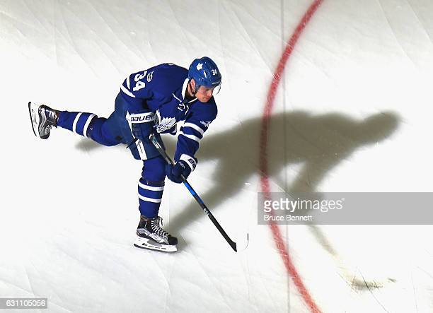 Auston Matthews of the Toronto Maple Leafs skates in warmups prior to the game against the New Jersey Devils at the Prudential Center on January 6...