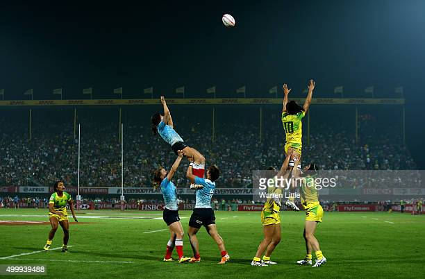 Australia and Russia jump for the line out ball during the Emirates Dubai Rugby Sevens HSBC World Rugby Women's Sevens Series Cup Final at The Sevens...