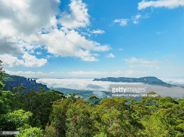 Australia, New South Wales, Katoomba, Elevated view of three sisters rock formation