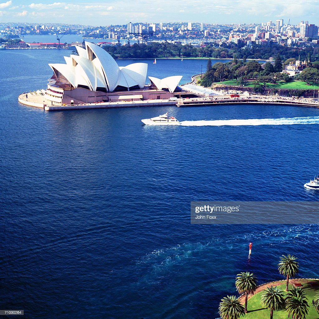 Australia, New South Wales, Sydney, Ferry passing Opera House