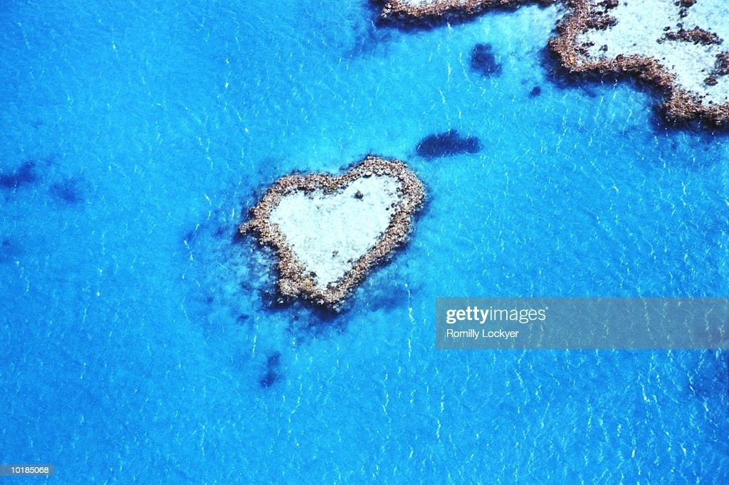 Australia, Queensland, Great Barrier Reef, Heart Reef, aerial view