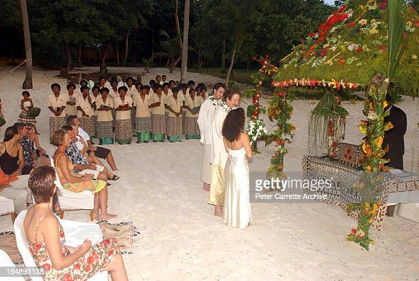Australian actor Michael Caton and Helen Esakoff during their wedding ceremony on the beach at the Vatulele Island Resort on May 19 2002 in Vatulele...