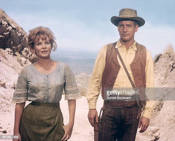 Australian actress Diane Cilento and American actor Paul Newman on the set of Hombre directed by Martin Ritt