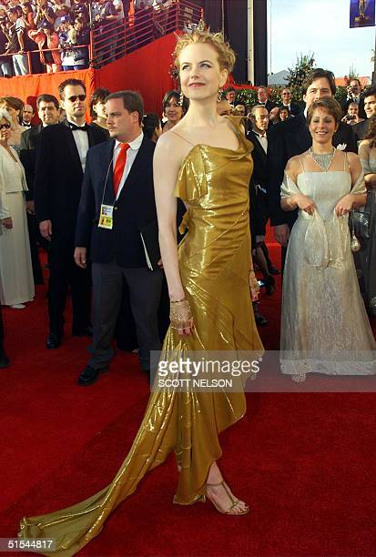 Australian actress Nicole Kidman arrives at the 72nd Annual Academy Awards in Los Angeles CA 26 March 2000 AFP PHOTO/SCOTT NELSON