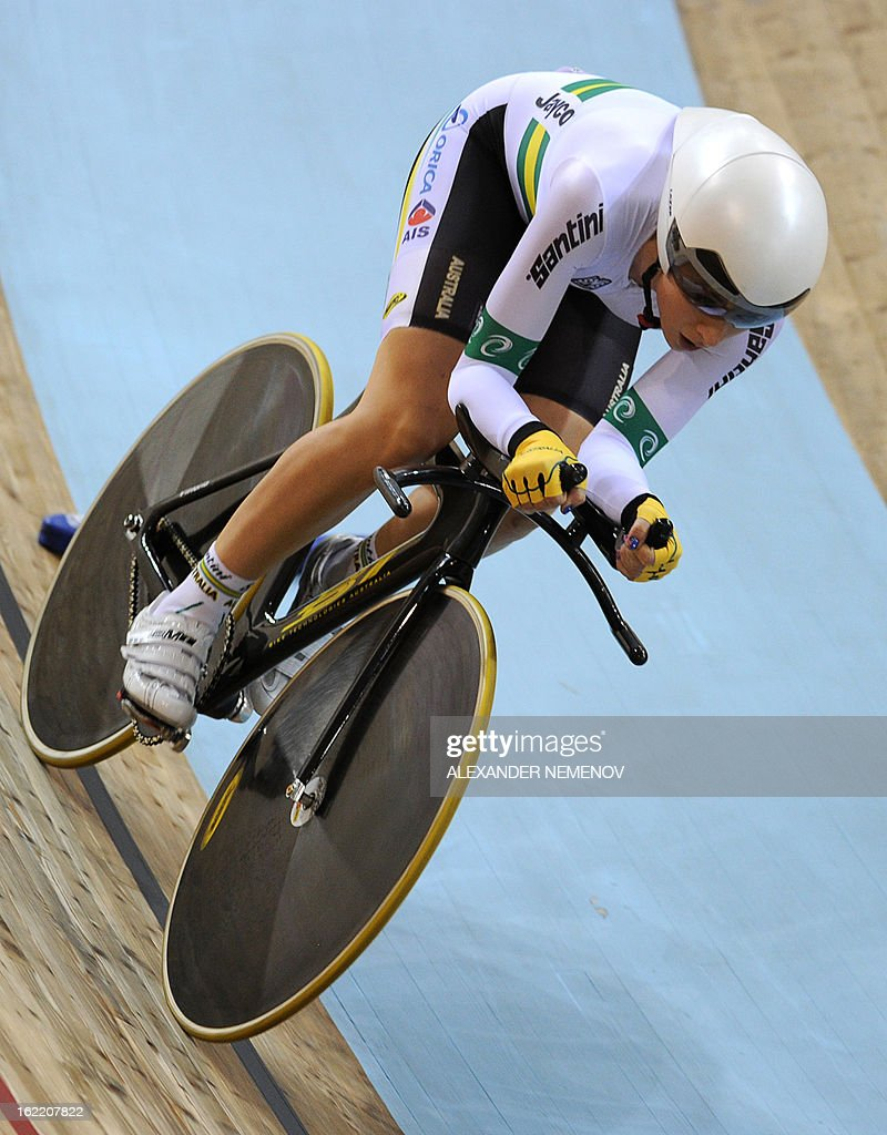 Australian Annette Edmondson competes to win the bronze during the womens' individual pursuit event of UCI Track Cycling World Championships in Minsk on February 20, 2013.