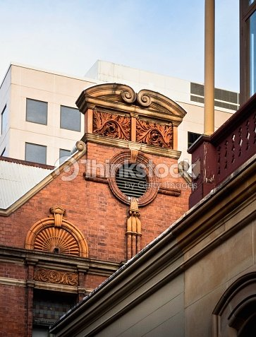 Australian Architecture : Classical Styled Building On Blue Sky Background
