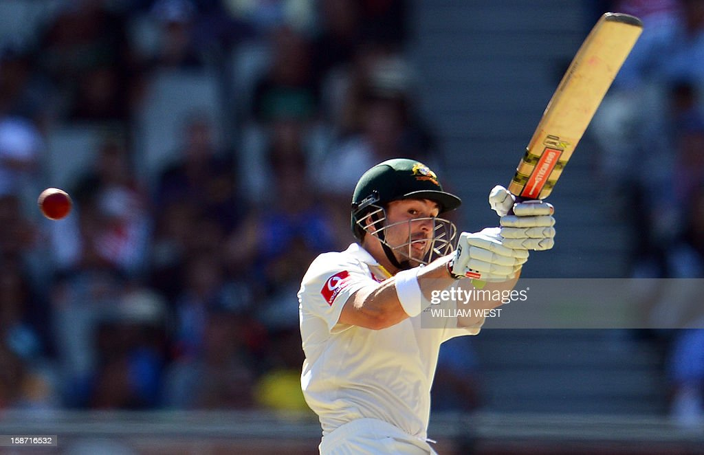 Australian batsman Ed Cowan pulls a ball from the Sri Lankan bowling on the first day of the second cricket Test match at the Melbourne Cricket Ground (MCG), in Melbourne, on December 26, 2012. AFP PHOTO/William WEST IMAGE